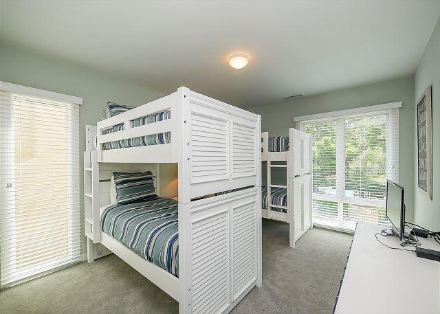 3rd Floor Guest Bedroom - 4 Twin Bunks
