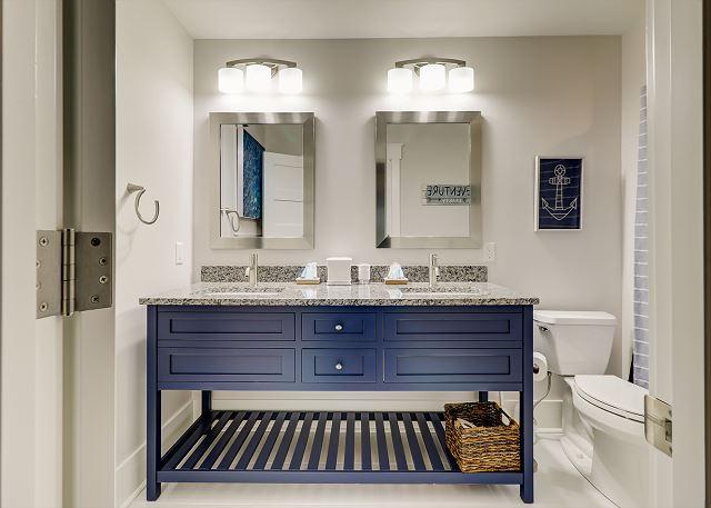 2nd Floor Guest Suite Full Bathroom
