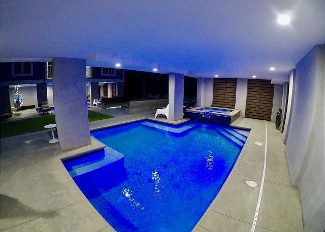 Pool/Hammocks