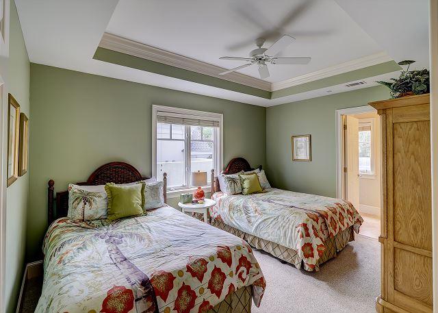 2nd Floor Guest Suite with 2 Queen Beds