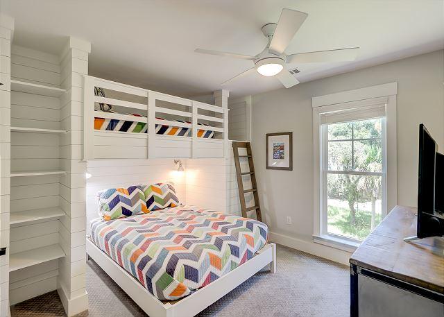 2nd Floor Guest Suite - 1 Twin over 1 Queen Bunks
