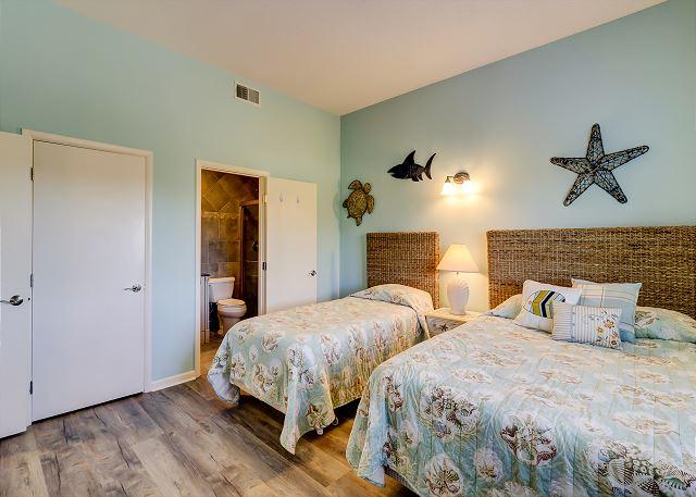 Guest Suite - 1 Queen & 1 Twin - Sleeps 3