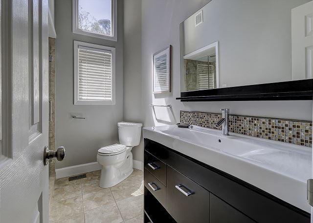 Main Floor Full Hall Bathroom