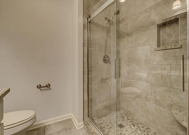 3rd Floor Full Bathroom