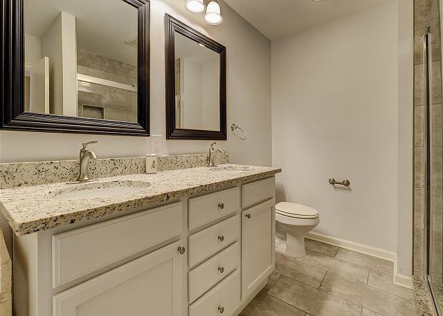 3nd Floor Full Bathroom