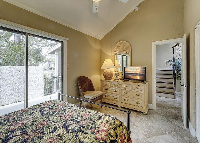 1st Floor Queen Suite