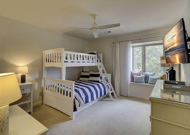 Guest Bedroom - 1 Twin over 1 Full Bunk - Sleeps 3