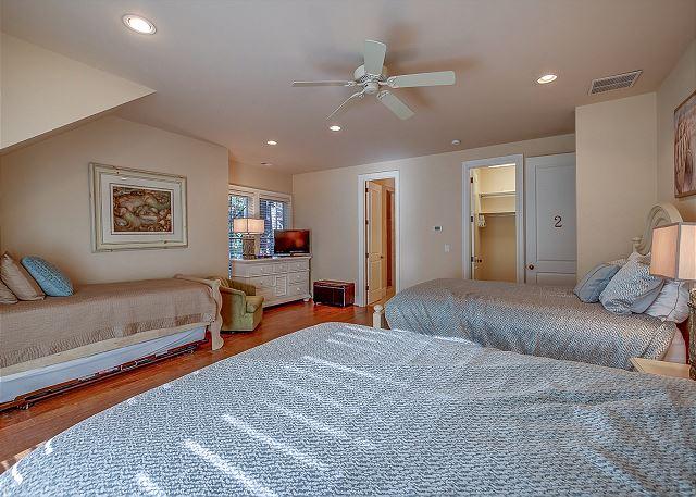 2nd Floor Suite