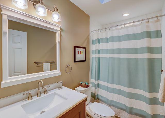 Hall Guest Full Bathroom