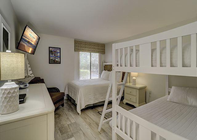 Guest Bedroom - 1 Full & 2 Twin