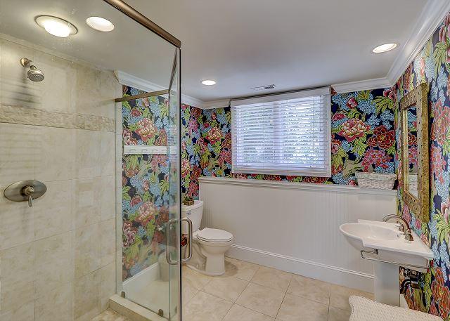 Carriage House Full Bathroom