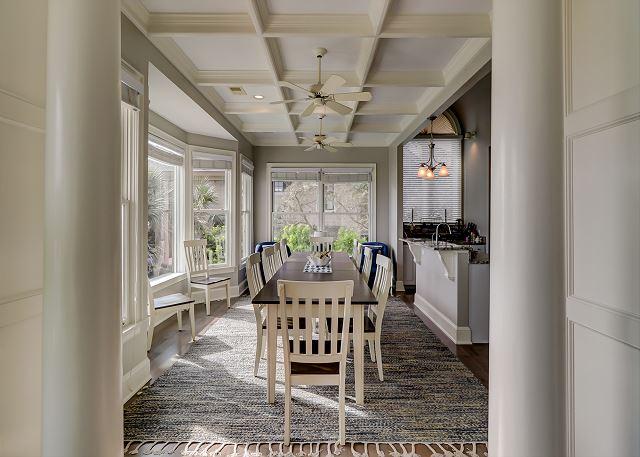Dining Area - Seat 12