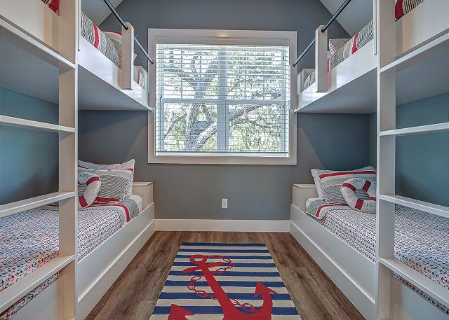 2nd Floor Guest Suite - 4 XL Twins