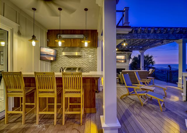 Outdoor Kitchen with Views
