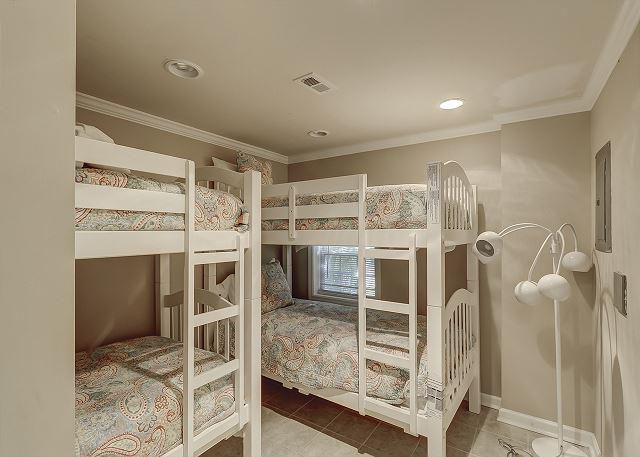 Lower Level Bunk Bedroom - 4 Twins