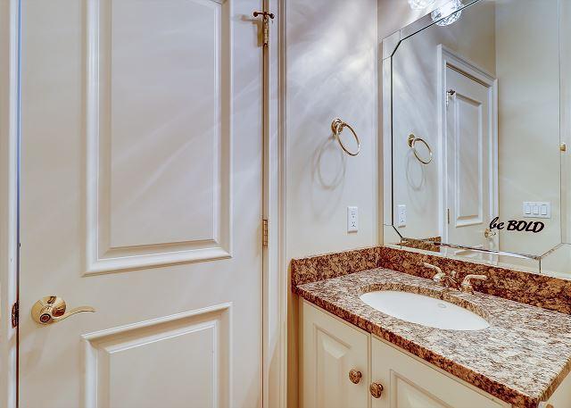 3rd Floor Hall Full Bathroom