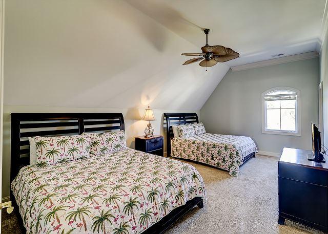 3rd Floor Guest Suite - 2 Kings