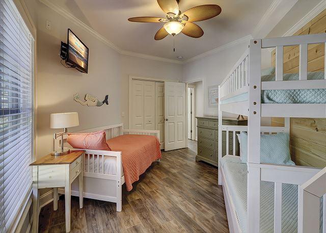 Bunk Bedroom - 3 Twins & 1 Twin Trundle - Sleeps 4