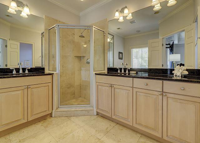 Upper Level Master Suite Full Bathroom