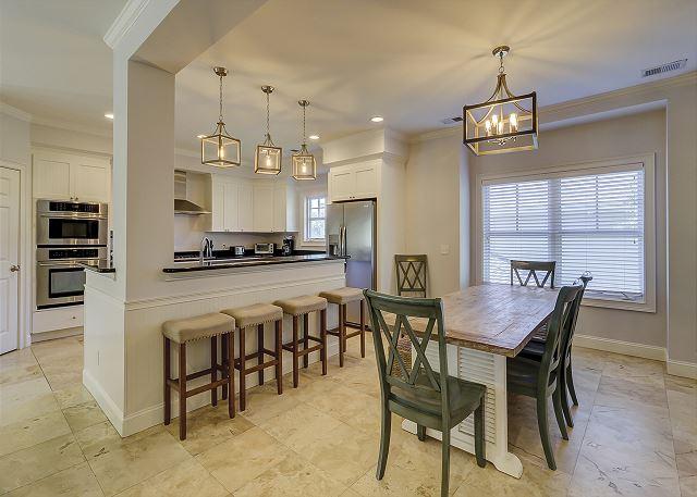 Dining Area & Kitchen w/ Breakfast Bar - Seats 4