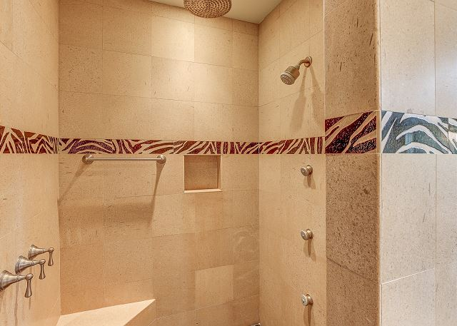 King Suite Walk-in Shower