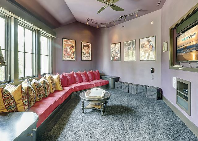 2nd Floor Theater/Living Area