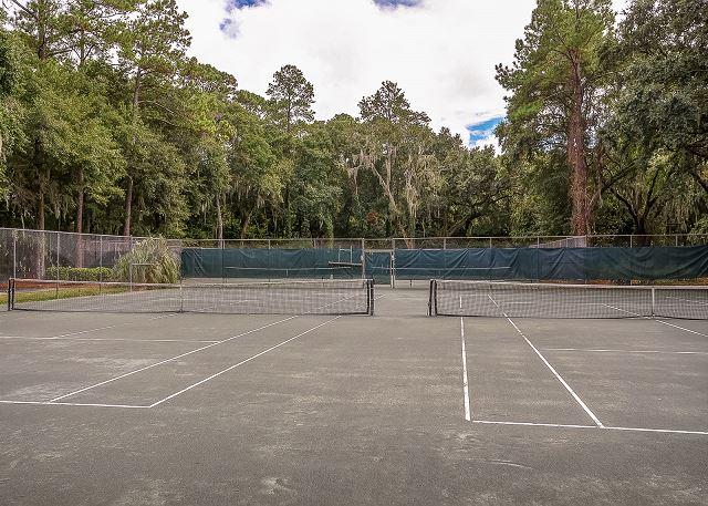 Racquet Club Tennis Courts