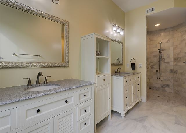 King Suite Full Bath with Roll-In Shower