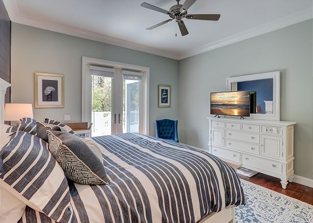 First Floor Master King Suite