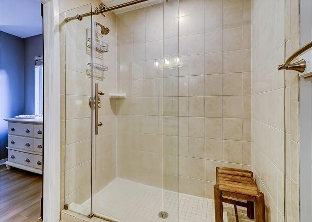 King Suite Full Bathroom Walk-In Shower