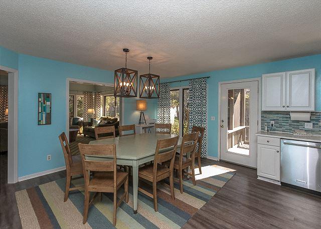 8 Osprey - Dining Area - HiltonHeadRentals.com