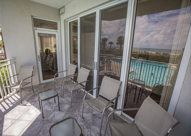 Living Area/Oceanfront Bedroom Patio