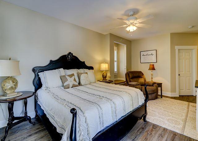 1st Floor King Suite