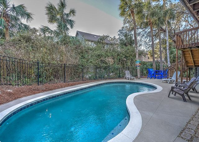 8 Osprey - Pool Area - HiltonHeadRentals.com