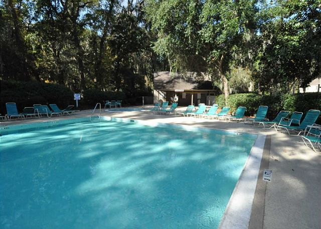 516 Plantation Club - Pool Area - HiltonHeadRentals.com