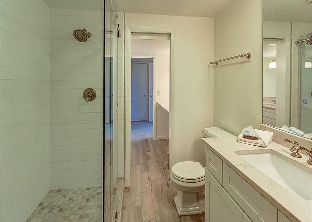 1st Floor Full Jack & Jill Bathroom