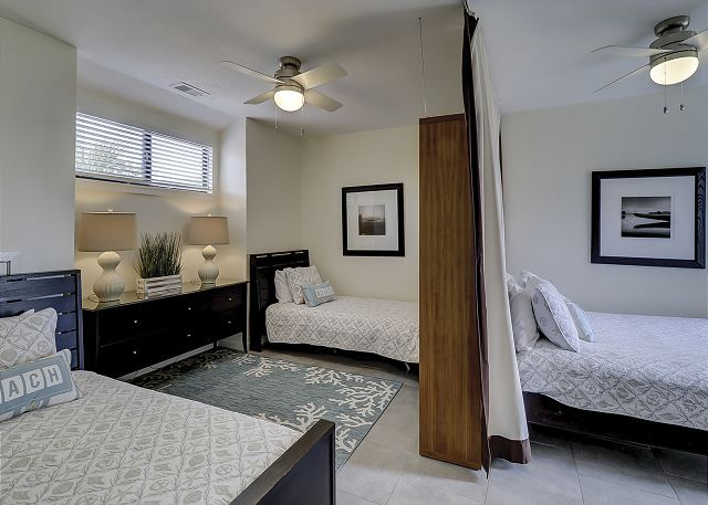 2nd Floor Guest Bedroom - 1 Queen & 2 Twins