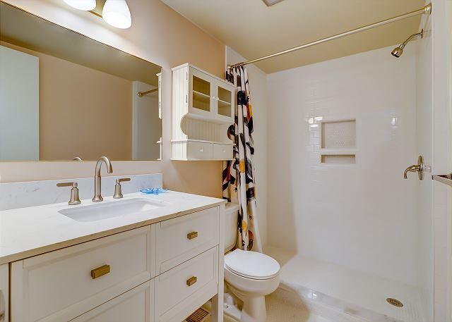 2nd Floor Full Guest Bathroom