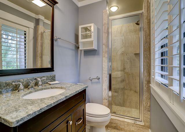 King Suite Full Bathroom