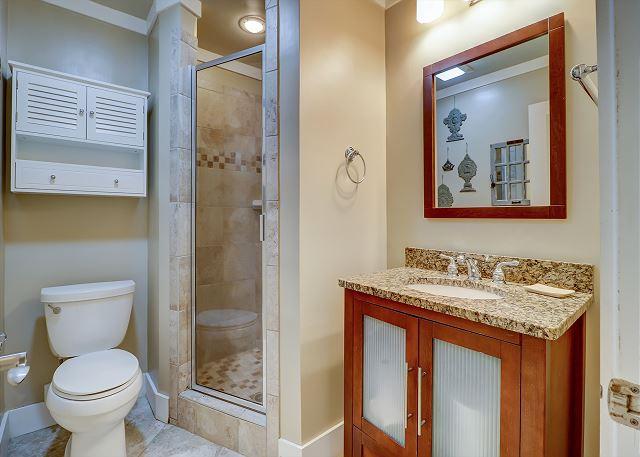 Guest Hall Full Bathroom