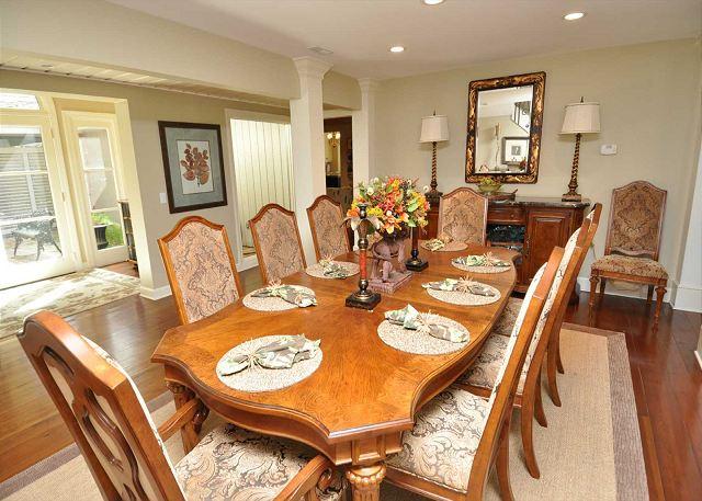 Dining Area - Seats 10