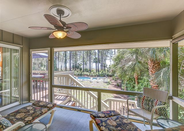 King Suite Screened Porch