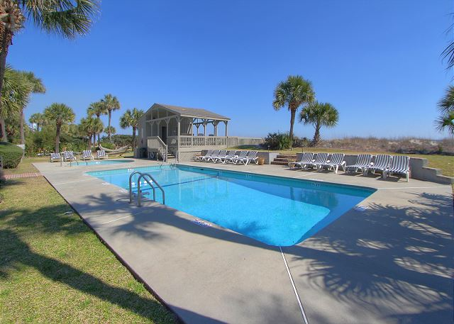 Onsite Oceanfront Pool