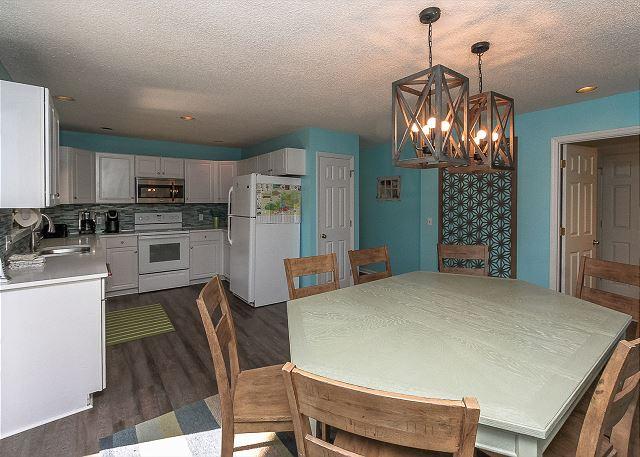 8 Osprey - Dining/Kitchen - HiltonHeadRentals.com
