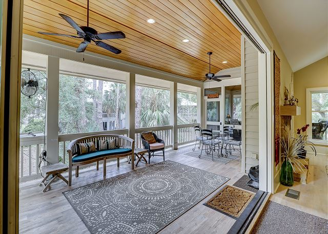 Screened Porch of Dining Area