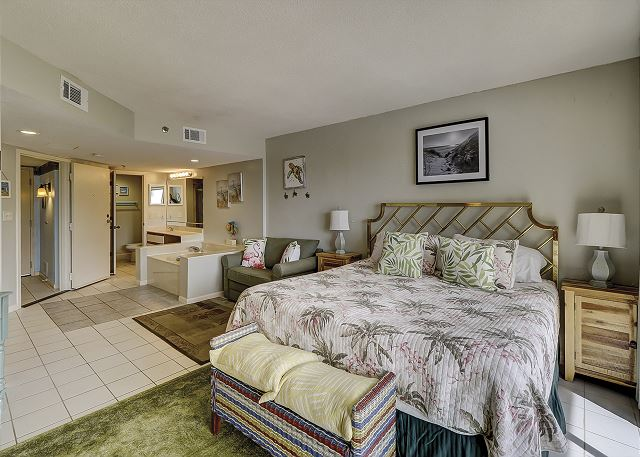 Guest Suite - 1 King & Twin Sleeper Sofa