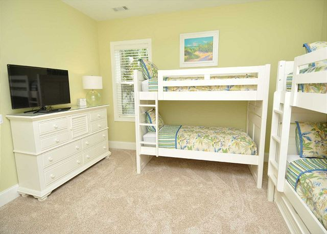 1st Floor Guest/Bunk Bedroom w/ 4 Twins & 1  Twin Trundle