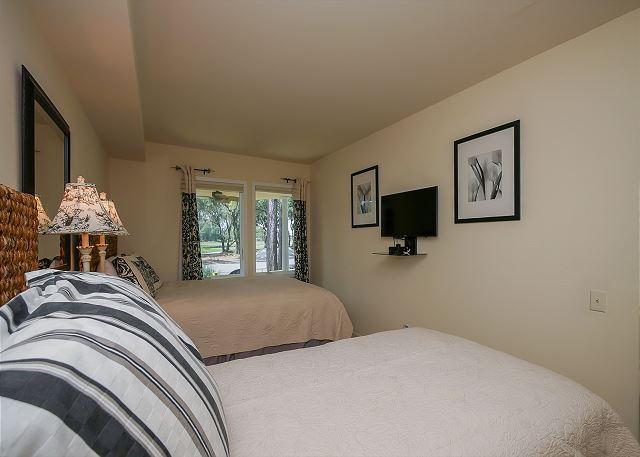 1st Floor Guest Bedroom