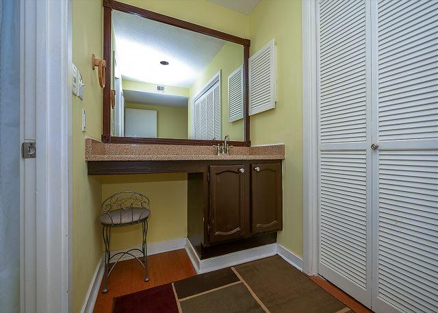 King Full Bathroom Vanity Area