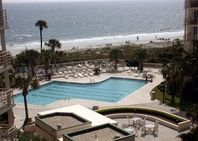 Villamare complex in Palmetto Dunes, Hilton Head, surrounds gorgeous landscaped grounds. A private pathway meanders around lagoon and fountain and takes you to the pool and Atlantic shoreline beyond.